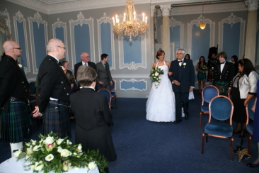 wedding photography at Mansion House at Edinburgh Zoo.